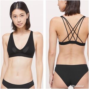 NWT Lululemon A Little Bit Closer Bralette Black L